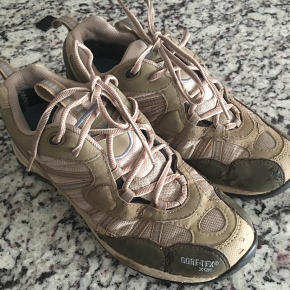 ecd69e1c9135 L.L. Bean Shoes - LLBean Hiking Shoes - Womens Size 7 1 2 Medium